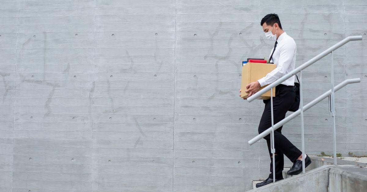 ¿Cuáles son las causales para poner fin a la relación laboral?